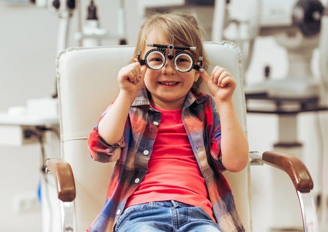 child-need-glasses